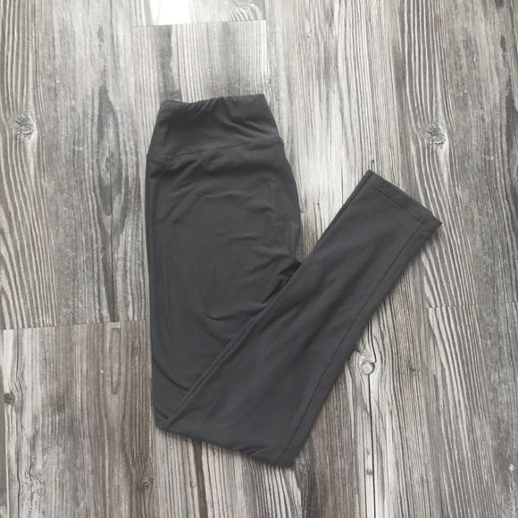 LuLaRoe Pants - One Size LuLaRoe leggings